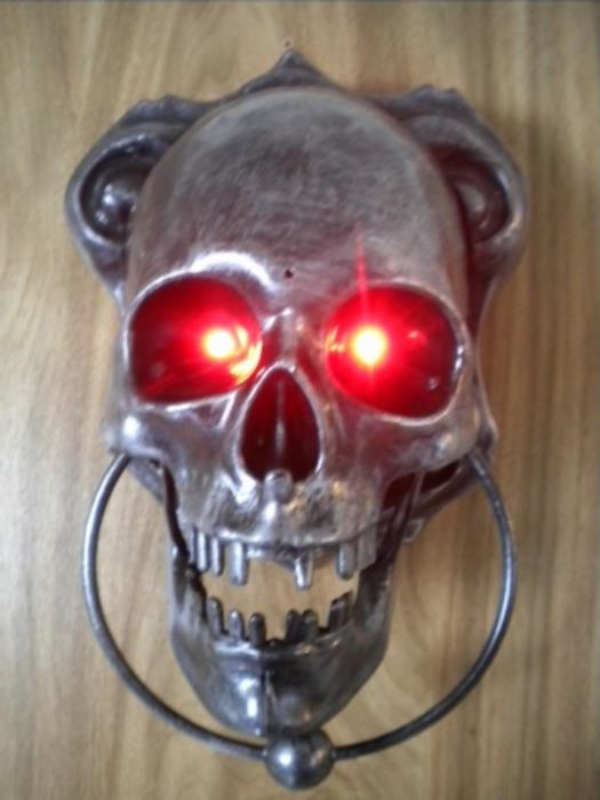 ANIMATED TALKING SKULL DOOR KNOCKER HALLOWEEN PROP DISPLAY  ~ 035658_Halloween Animated Door