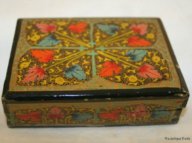 Vintage Chinese small black lacquer trinket box