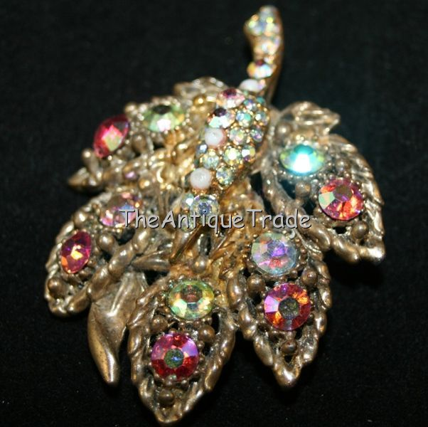Vintage Costume Jewelry / Jewellery