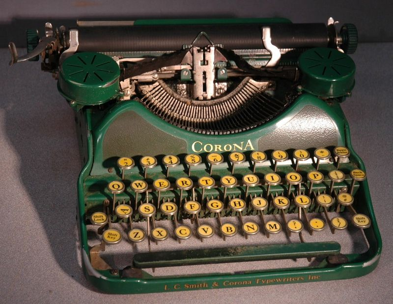 Corona Portable Typewriter Green 1920s