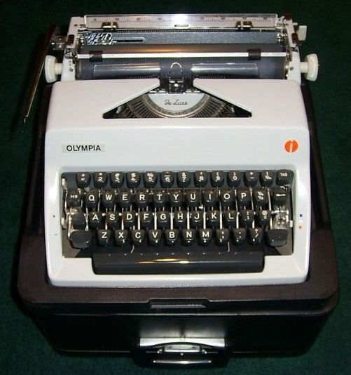 1969 Olympia SM9 Deluxe Portable