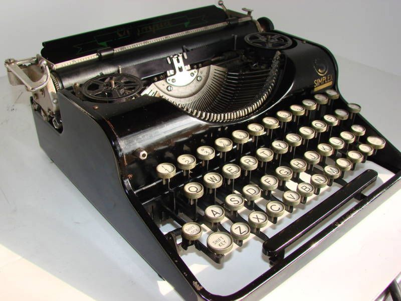 1935 Olympia Simplex German Typewriter Black