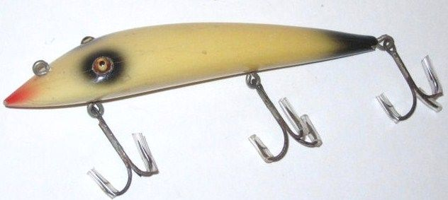 Antique Moonlight Musky Pikaroon 3 Hook Skunk color