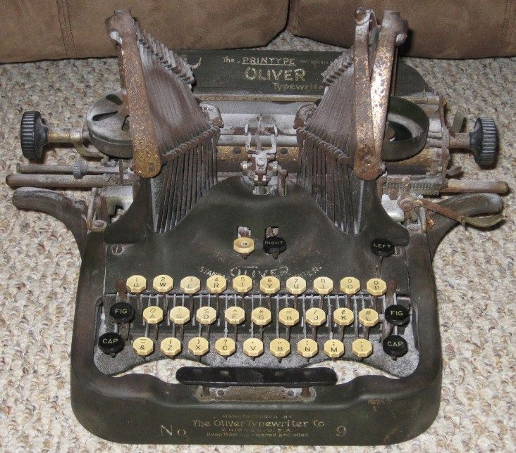 Antique Oliver Typewriter/Standard Visible No 9