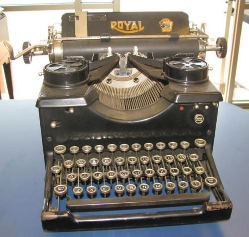 Antique Royal #10 Typewriter w/Glass Sides