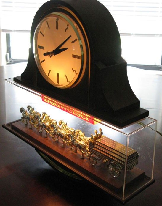 Budweiser Clydesdale Clock w Light