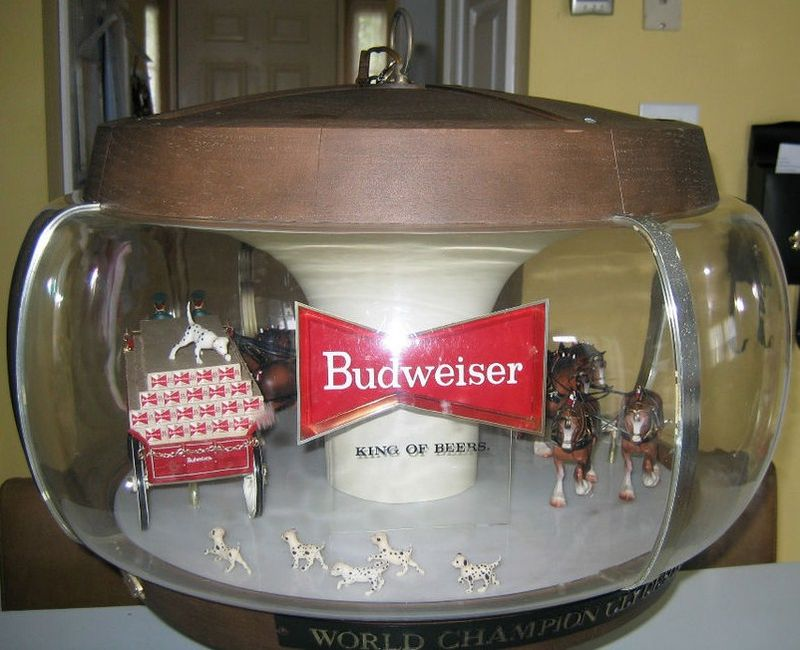 Budweiser Rotating Clydesdale Lamp 1970s