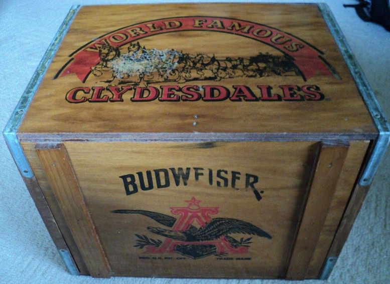 Budweiser Wooden Beer Crate World Famous Clydesdales