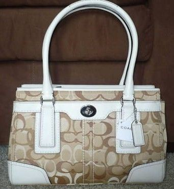 Coach Hamptons Optic Carryall Bag 11818 front