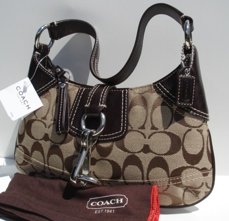 COACH Hamptons Signature Sm Hobo 10287
