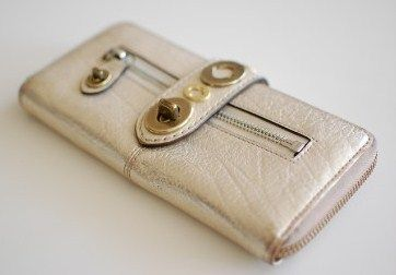 Coach Legacy Leather Zip Around Womens Wallet