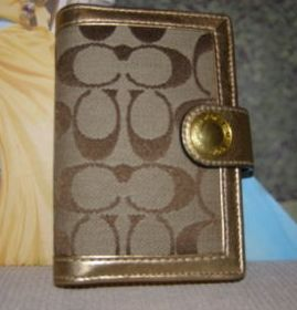 Coach small signature jacquard agenda book khaki gold