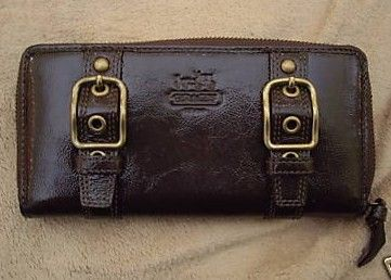 Coach Zoe Leather Zip Around Accordian Wallet Brown