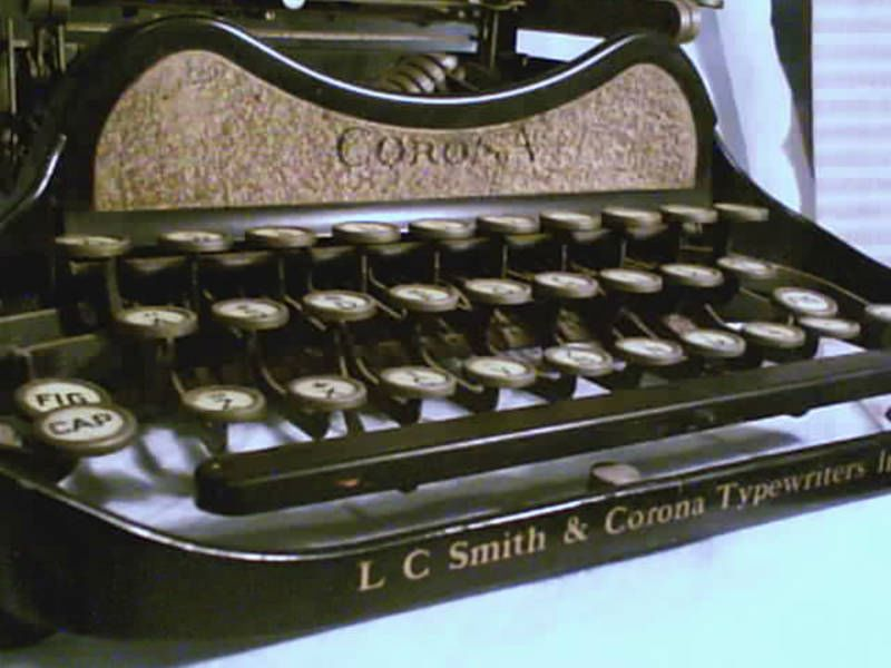 Corona Close Up Keys Gold Special Model 3