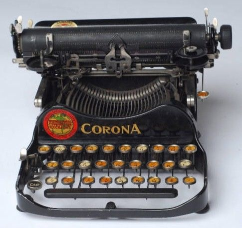 Corona Folding Typewriter Black Front