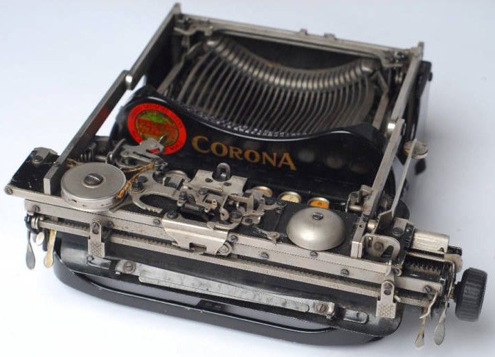 Corona Folding Model Typewriter Folded View