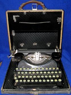 Corona Model 4 in Case