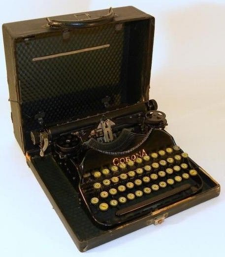 Corona Typewriter Model 4 in Case