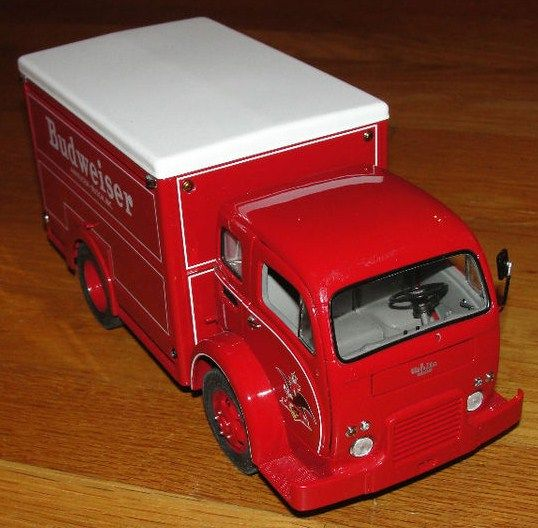 Danbury Mint Diecase 1:24 Scale 1955 White Top 3000 Delivery Truck