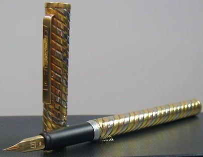 Dickson Trinity 18Karat Solid Gold Fountain Pen Dunhill/14K Fine Nib