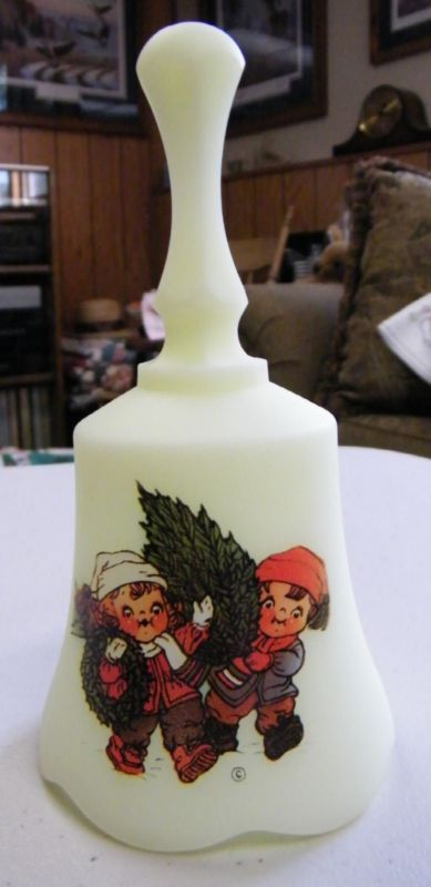 Fenton 1984 Campbell Soup Kids Christmas Bell