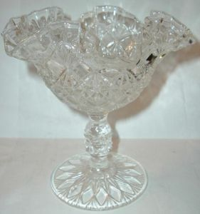 Fenton 9120Y Fine cut Block Comport Diamond Fan 1980