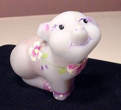Fenton Burmese Glass Pig Figurine