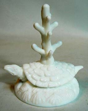 Fenton Milk Glass Turtle Ring Tree 70's