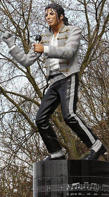 Michael Jackson Stadium Statue