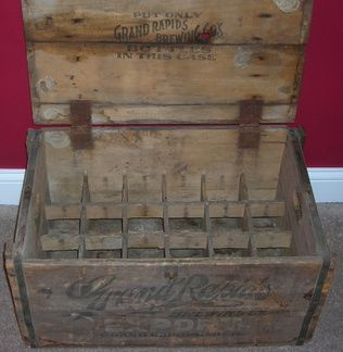 Grand Rapids Wooden Beer Crate Inside w/Slots