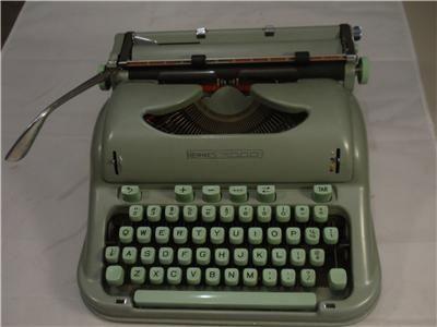 Hermes 3000 Cursive script Portable Typewriter