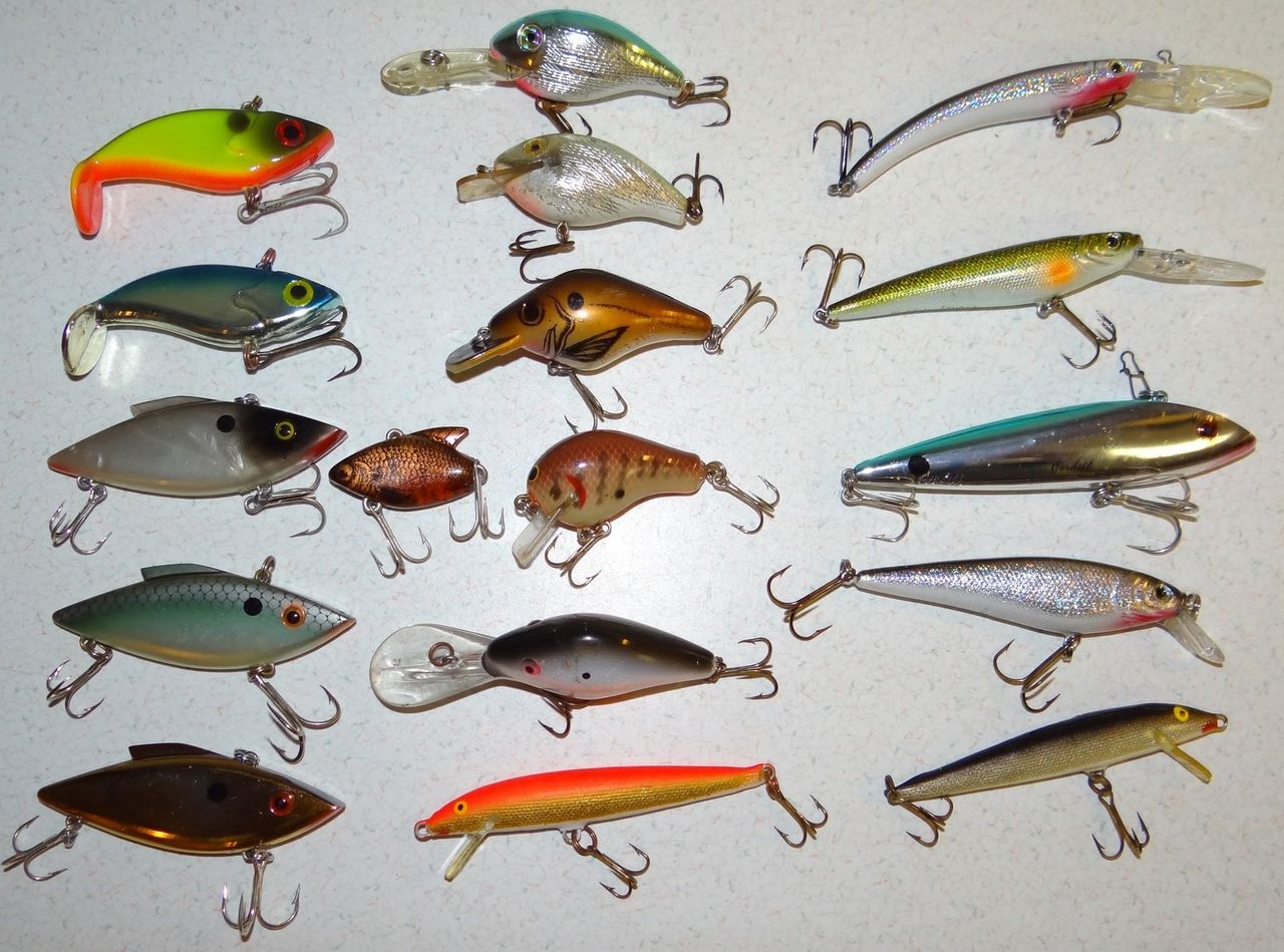 Large Lot Fishing Lures Rapala Fish Frenzy Rattle Trap