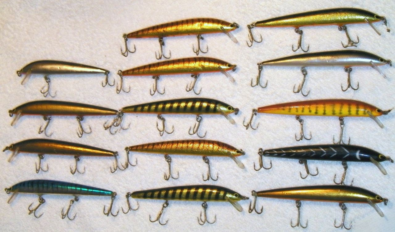 Large Lot of 14 Bagley 5 inch Bang-O-Lures in nice colors