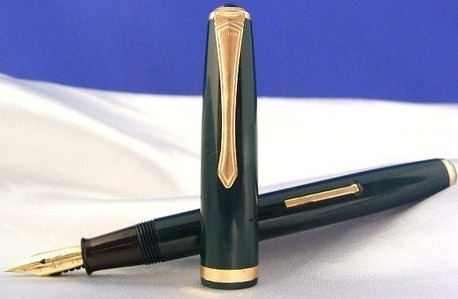Lever Filler Type Pilot Green 14Kt Fountain Pen 1950s