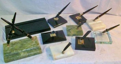 Lot of Vintage Sheaffer Fountain Pen Desk Sets Glass w/14K Gold Nib Pens