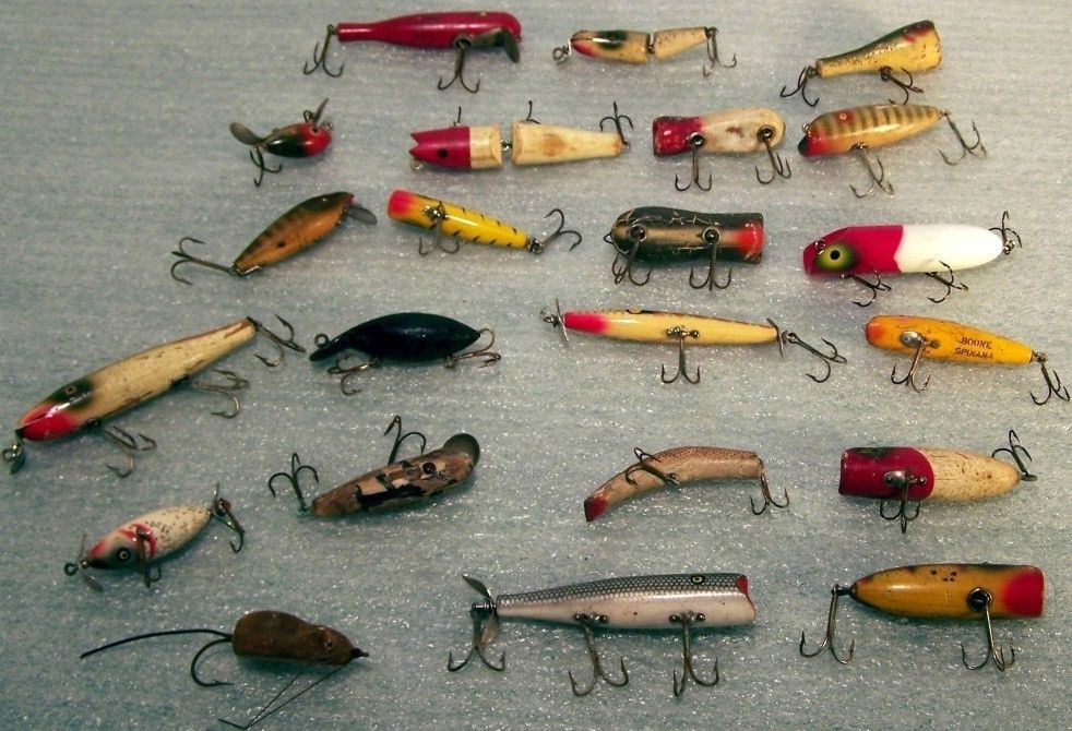 Lot of 22 Vintage Wooden Lures Topwater