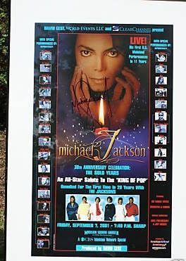 Michael jackson authentic autograph picture