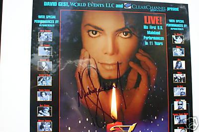 Michael Jackson Authentic Autograph Picture close up