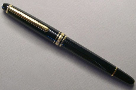 Montblanc Classique Meisterstuck Rollerball/Black w/Gold