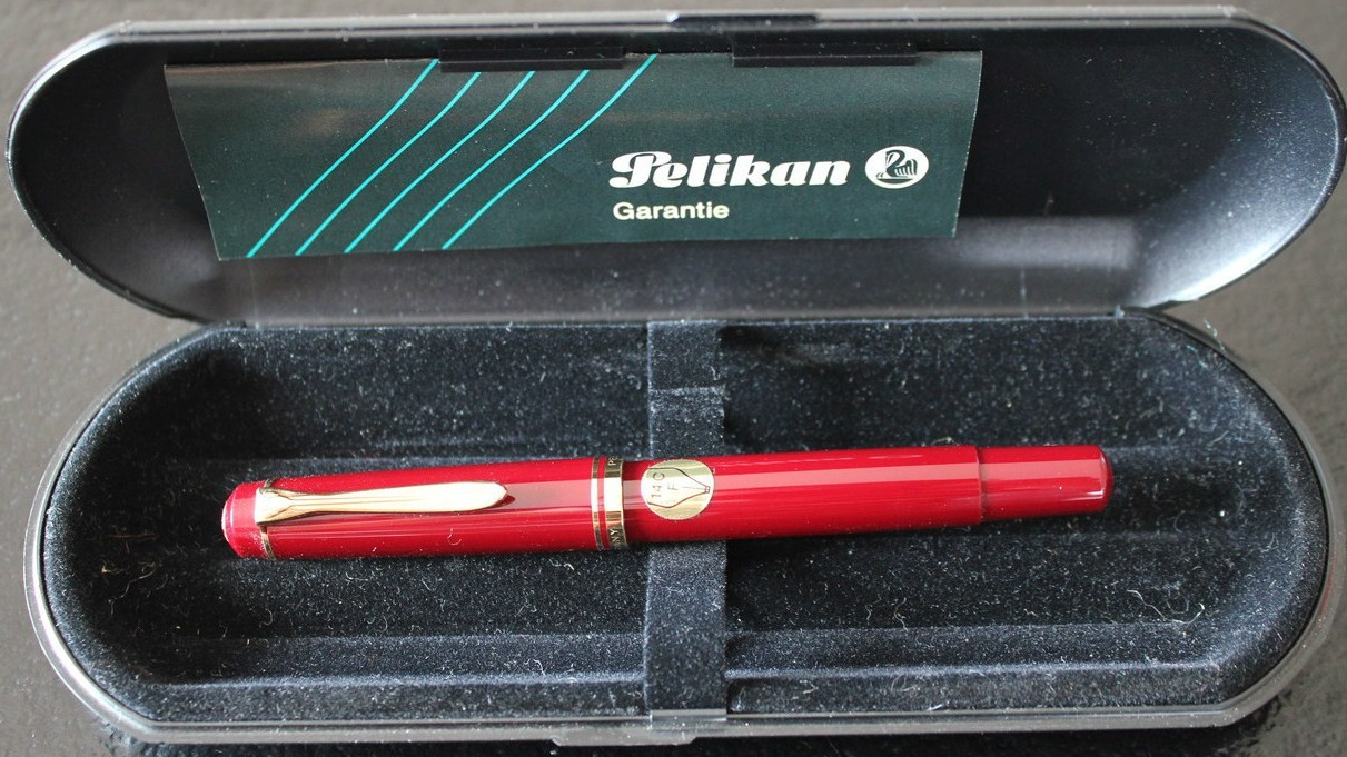 New Pelikan M250 Burgandy Old Style Fountain Pen