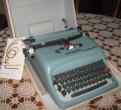 Olivetti Underwood Studio 44 Model Blue