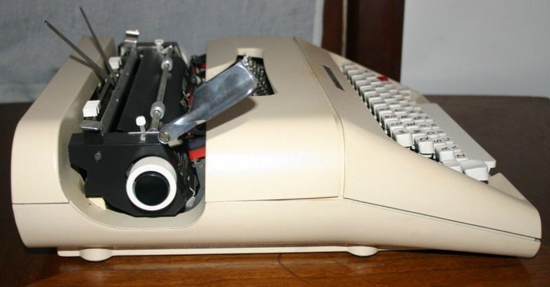 Side View Olivetti Lettera Manual Typewriter