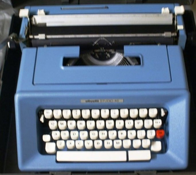Olivetti Studio 46 Blue