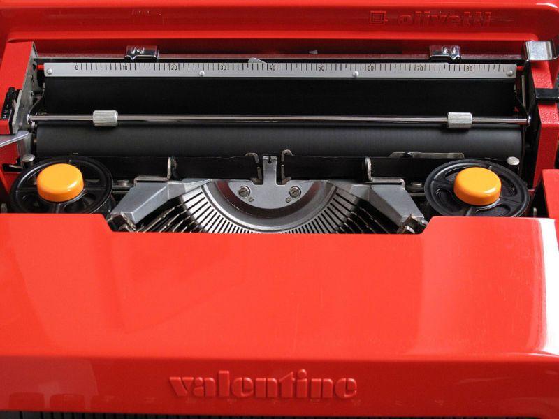 Olivetti Valentine Typewriter Platen Front View