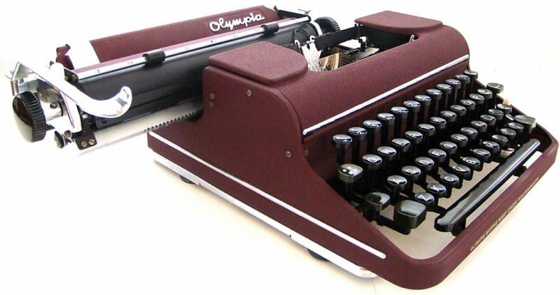 Olympia SM1 1950s Manual typewriter Maroon Color
