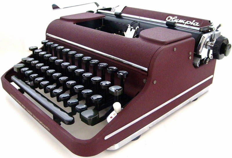 Olympia SM1 Typewriter in Maroon
