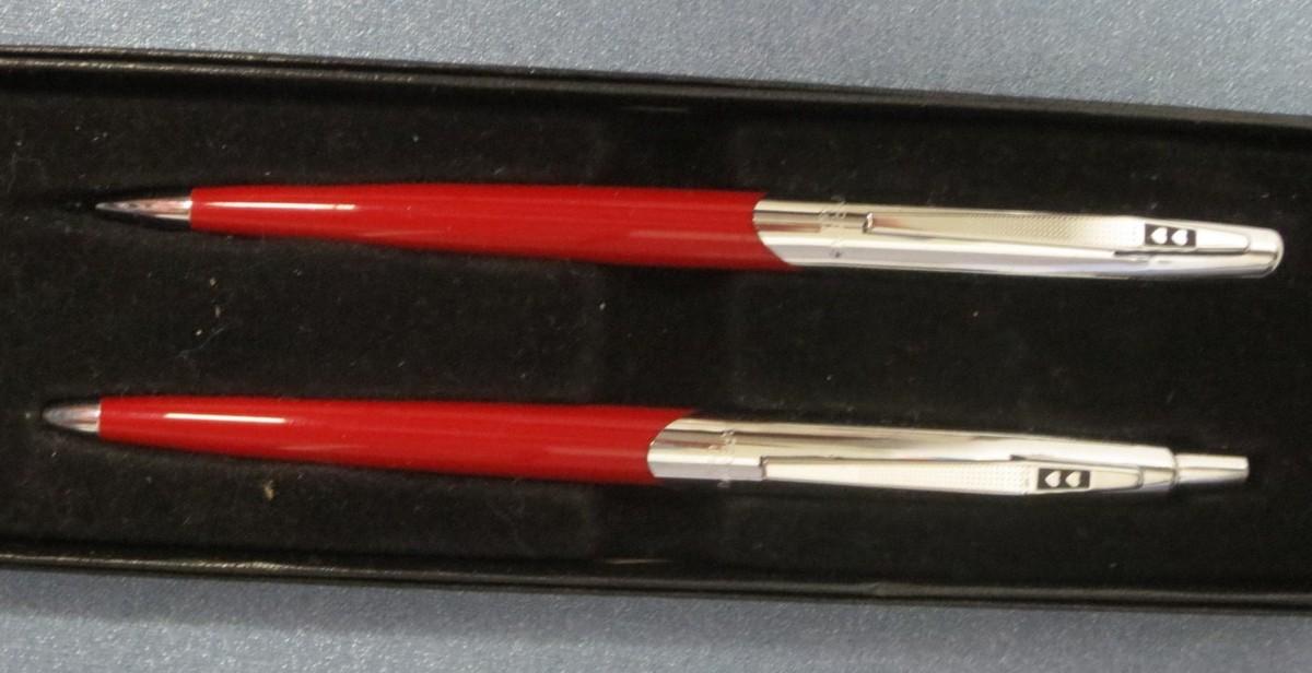 1959 Papermate Capri Ballpoint Pen & Pencil Set/2 Hearts