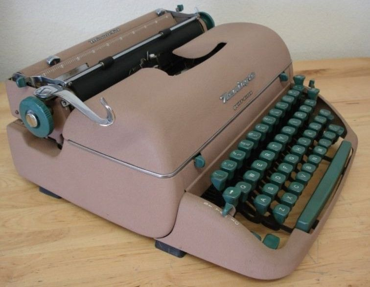Remington Quiet Riter Typewriter 1950's