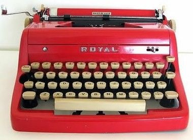 Red Royal Quiet De Luxe Typewriter