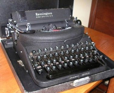 Remington Noiseless Model 7 Typewriter